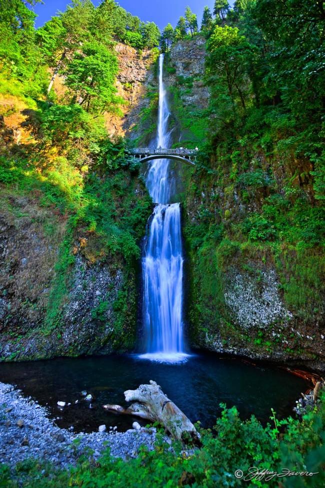 Multnomah Falls Along Columbia River Gorge Jeffrey