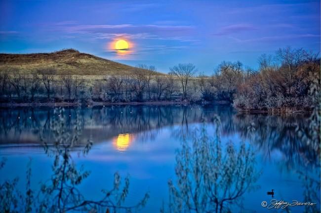 Full Moonset Over 21st Street Pond